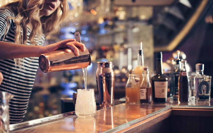hire bartenders for hen party